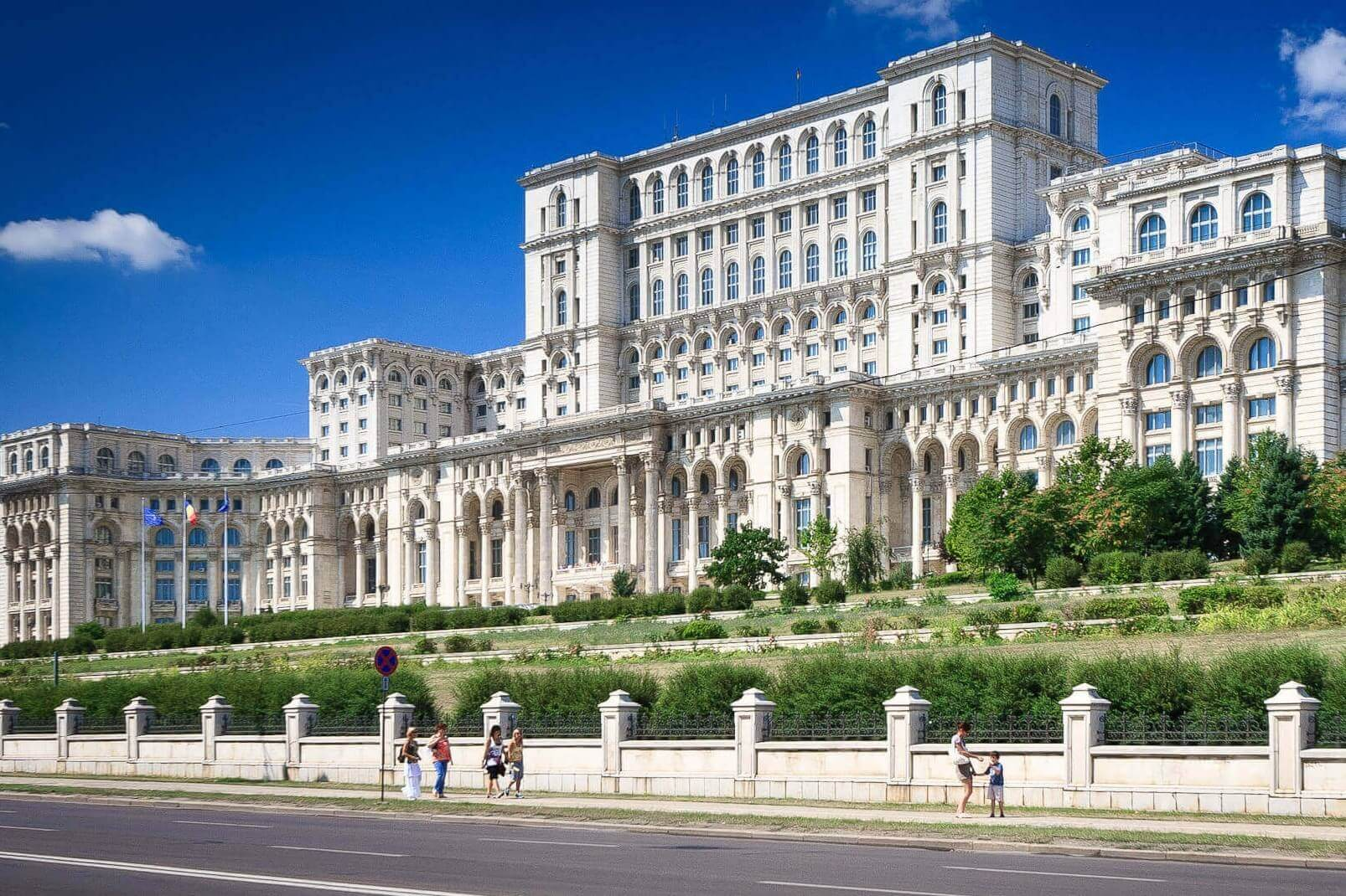Bucharest Trips & City Break